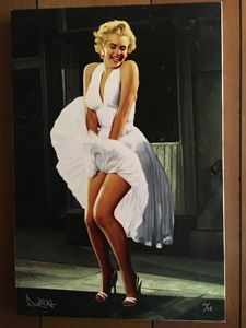 Marilyn Monroe's skirt blowing