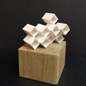 Porcelain sculpture P1