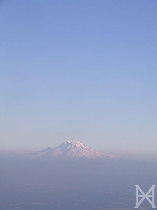 Lonely Mountain - Xandra Holzheimer