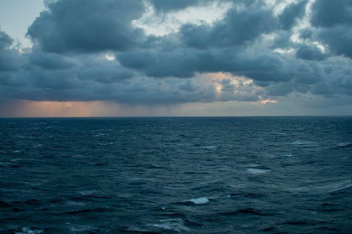 Dark Sunset - Dan Vowles Photography