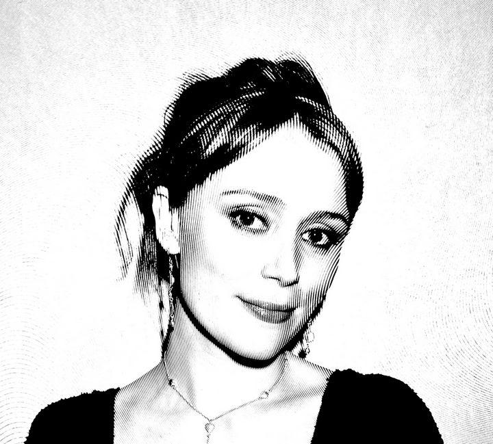 Keeley Hawes Black & White Portrait - Saintiro