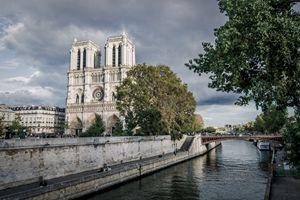 Notre-Dam by Autumn