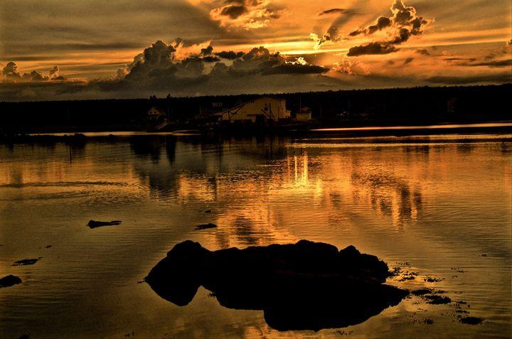 Port Mouton sunset - PhotosbyNan