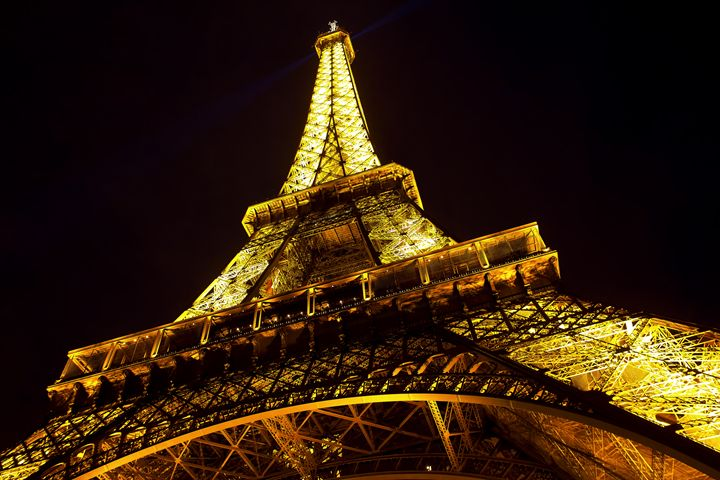 Eiffel Tower by night - Bart Photography
