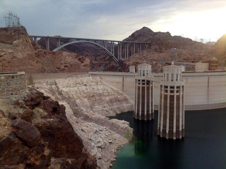Boulder Dam - H.Berumen
