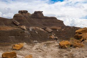 rocks akimbo