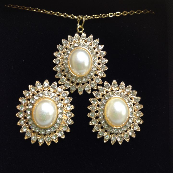Regale pearls set - Susan craker