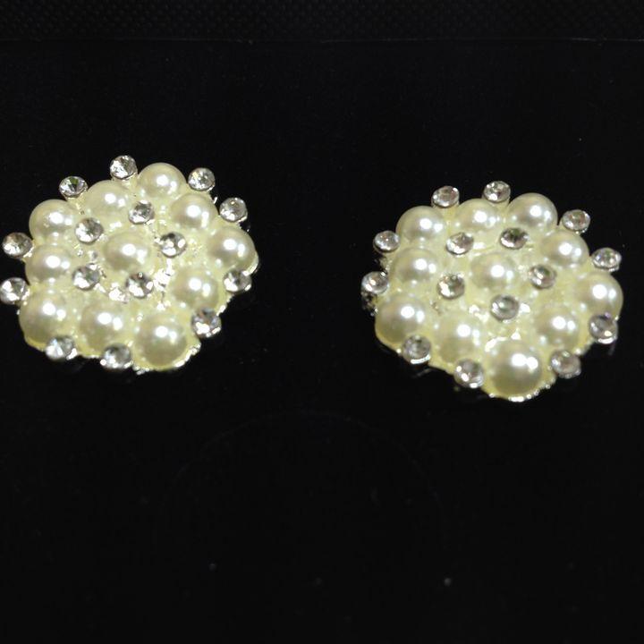 Faux Perls and rhinestones earrings - Susan craker