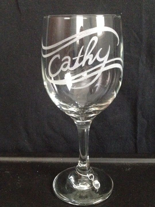 Carved wine glass with wine charm - Kurtis gentile