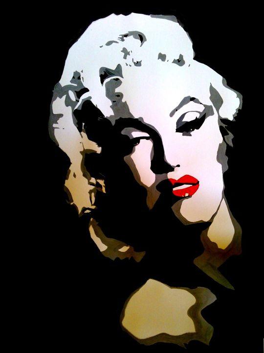 Marilyn in Black - BG