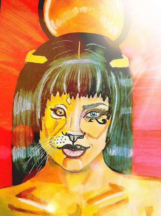 Lyran Queen - Art by Lisa-Marie