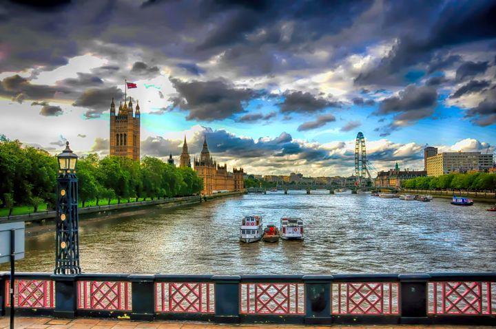 Along The Thames - Ken Johnson Imagery