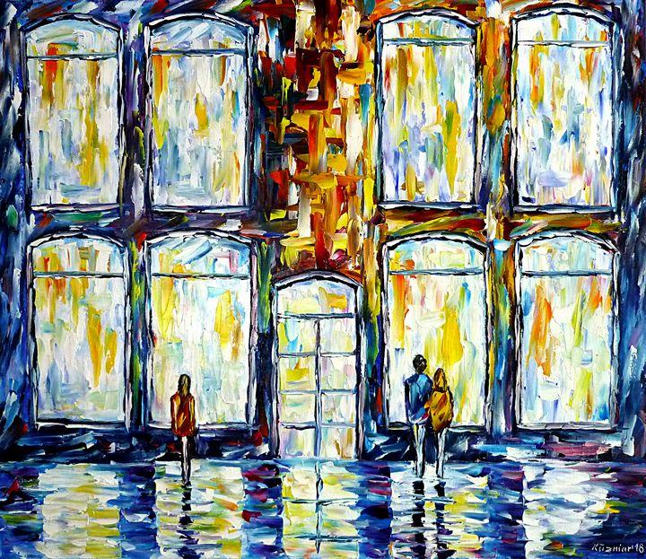 In Front Of Shop Windows - Mirek Kuzniar