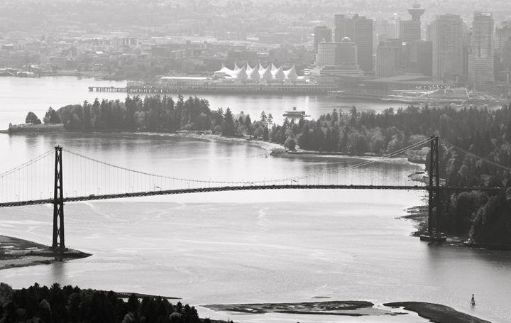 Lions Gate Bridge - Official Phil Mo