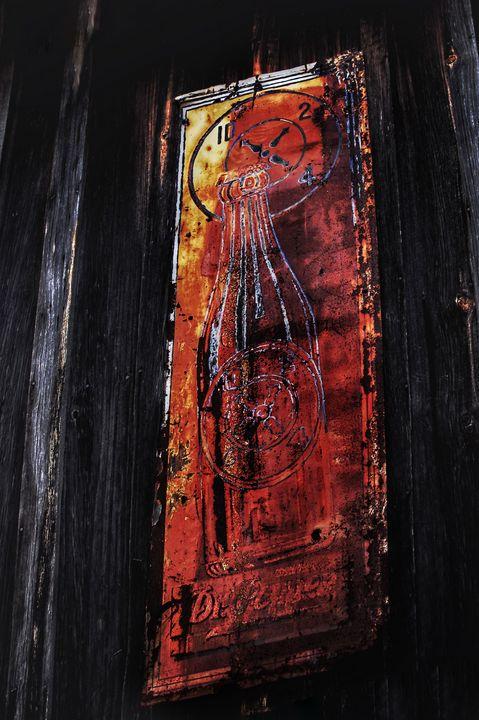 Rusted Coca Cola - Edgyfotogeek
