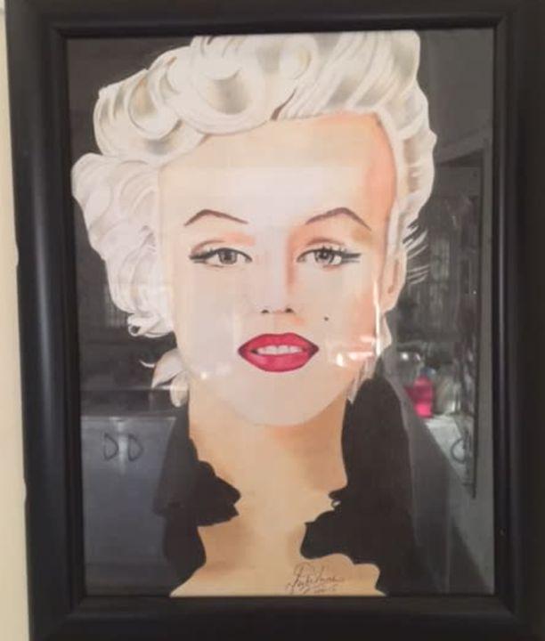 Marilyn - Julianne