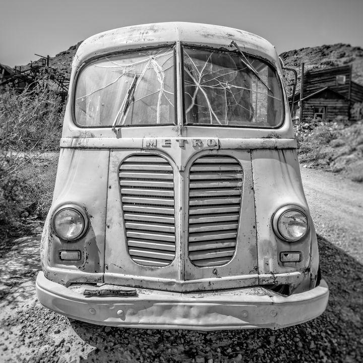 Old Metro Delivery Van Desert - Dogford Studios
