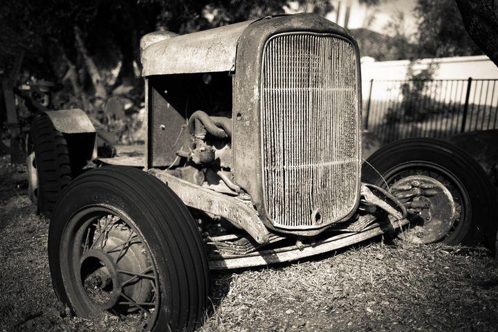 Vintage old rusty Ford farm car - Dogford Studios