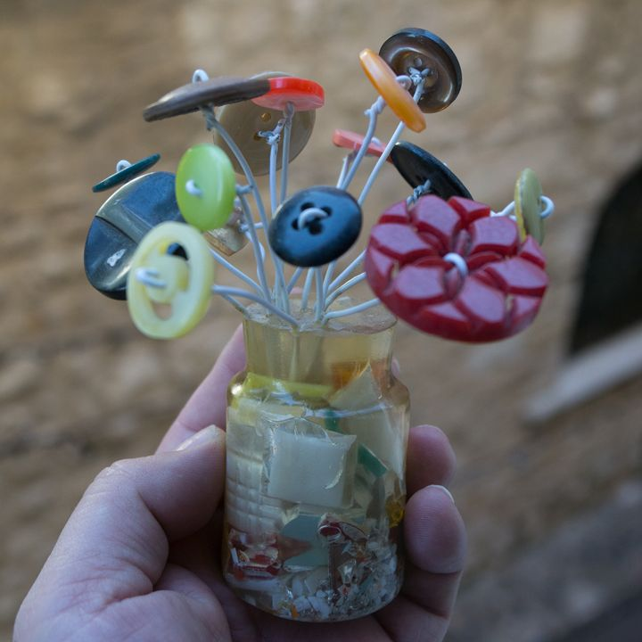 Small bouquet of buttons - Remi Pesce