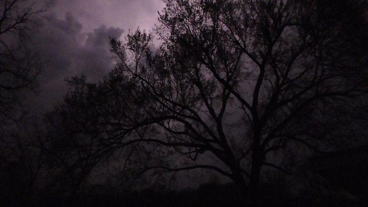 Stormy Night - Domino Design
