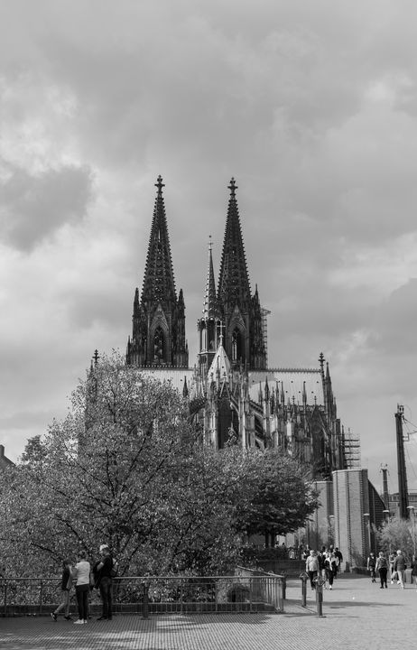Cologne cathedral - Luke Thompson