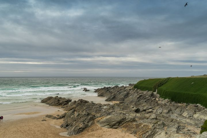 Windy Shores, Newquay Cornwall - Luke Thompson