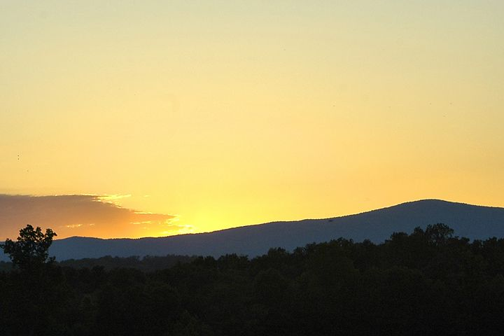 Sunset over the Blue Ridge Mountains - PhillySnaps