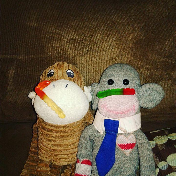 Monkeys gummied - Angela Cushler