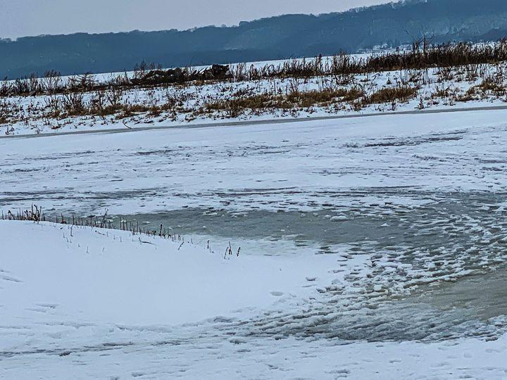 Dimensional Winter - Vickielynne
