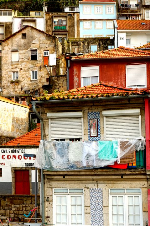 Streets of Porto. - Krzysztof Bozalek.