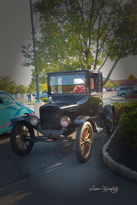 HISTORIC FORD - SHAYNA PHOTOGRAPHY