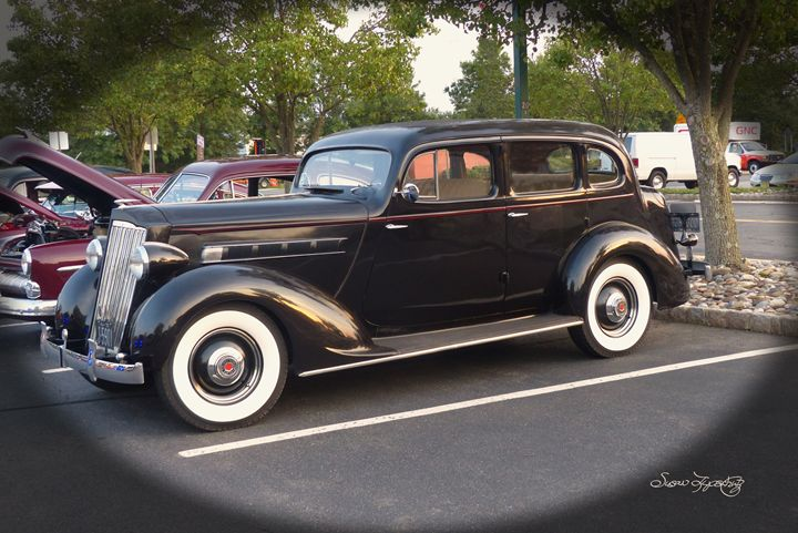 1935 PACKARD - SHAYNA PHOTOGRAPHY