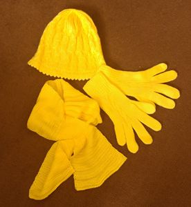 hat scarf gloves set yellow :)