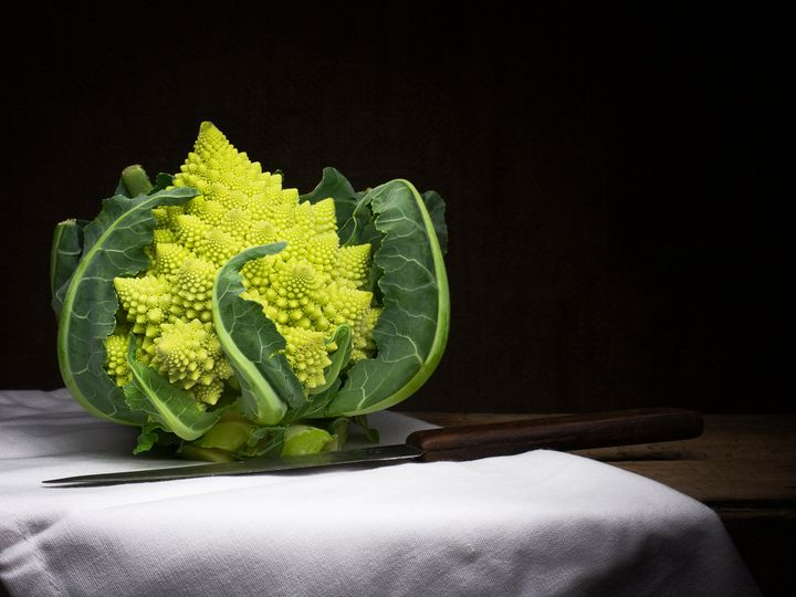 Broccoli with knife - Judith Flacke Still Life