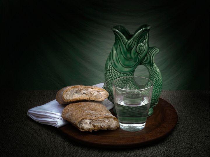 Bread and water - Judith Flacke Still Life
