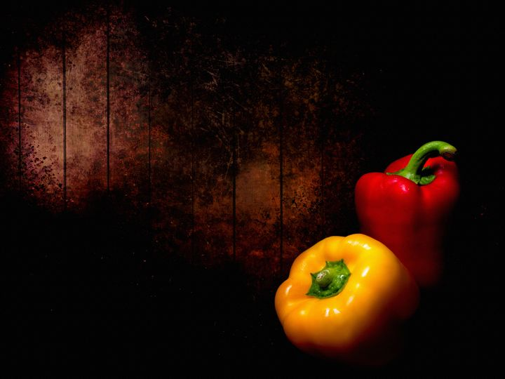 Red pepper, yellow pepper. - Judith Flacke Still Life
