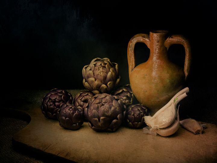 Raw artichokes - Judith Flacke Still Life
