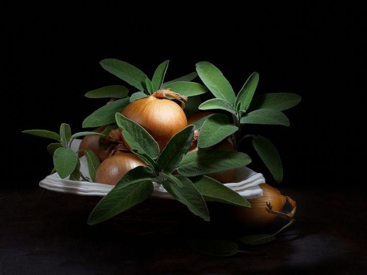 Sage and onion. - Judith Flacke Still Life