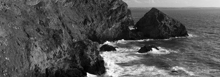 Bedruthan Steps sea stacks Cornwall - Dave Porter Landscape Photography