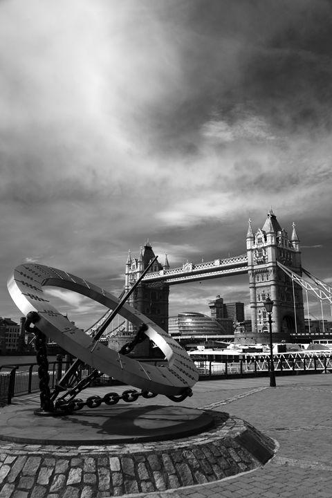 Compass Sculpture Tower Bridge - Dave Porter Landscape Photography