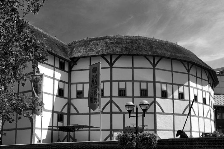 Shakespeare's Globe Theatre London - Dave Porter Landscape Photography