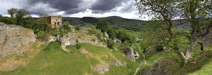 Cave Dale ruins of Peveril Castle - Dave Porter Landscape Photography