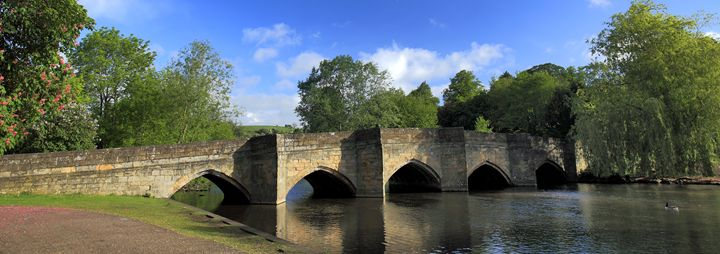 Stone road bridge at Bakewell Town - Dave Porter Landscape Photography
