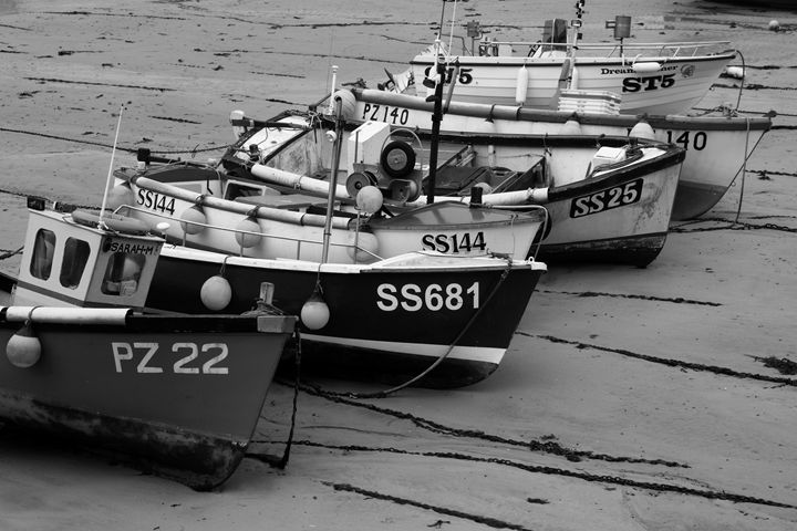 Fishing boats St Ives town - Dave Porter Landscape Photography