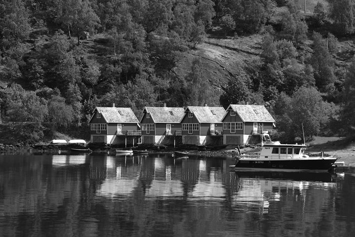 Houses on the shore of Aurlandsfjord - Dave Porter Landscape Photography