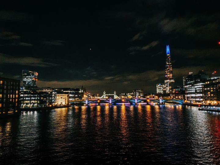 Millennium Bridge - London - Scala Ad Astra Librarium
