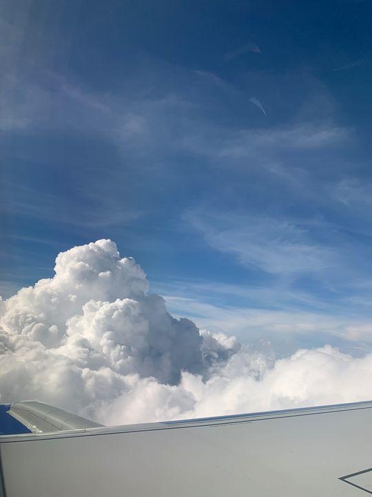 Through the clouds - Sophia Luem
