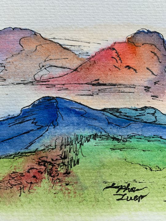 Mountain at sunset - Sophia Luem