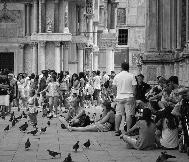 People of St Mark's Square - Wardululu Alsaffar