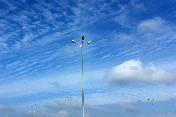 Lamps under  the blue sky - feiermar